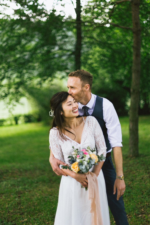mariage-intime-franco-japonais-yoori-et-nico-beaujolais-rose-fushia-photographie116