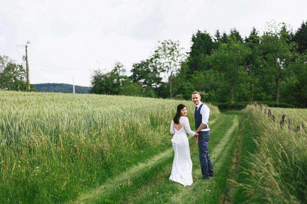 mariage-intime-franco-japonais-yoori-et-nico-beaujolais-rose-fushia-photographie124