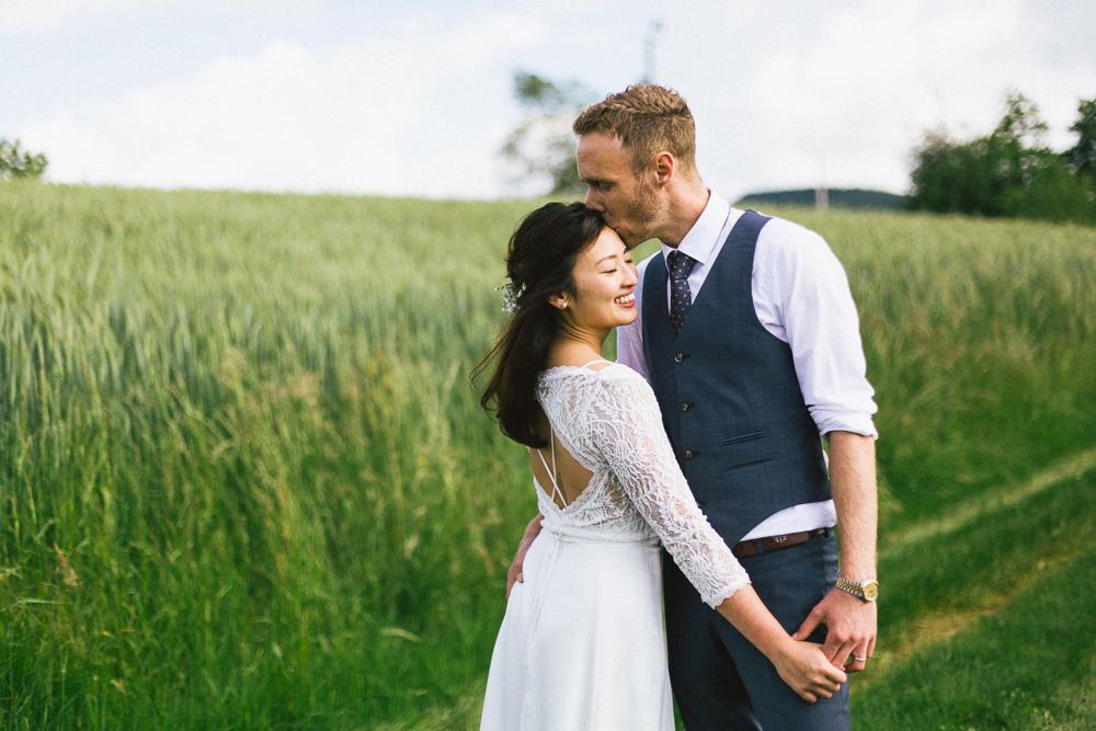 mariage-intime-franco-japonais-yoori-et-nico-beaujolais-rose-fushia-photographie126