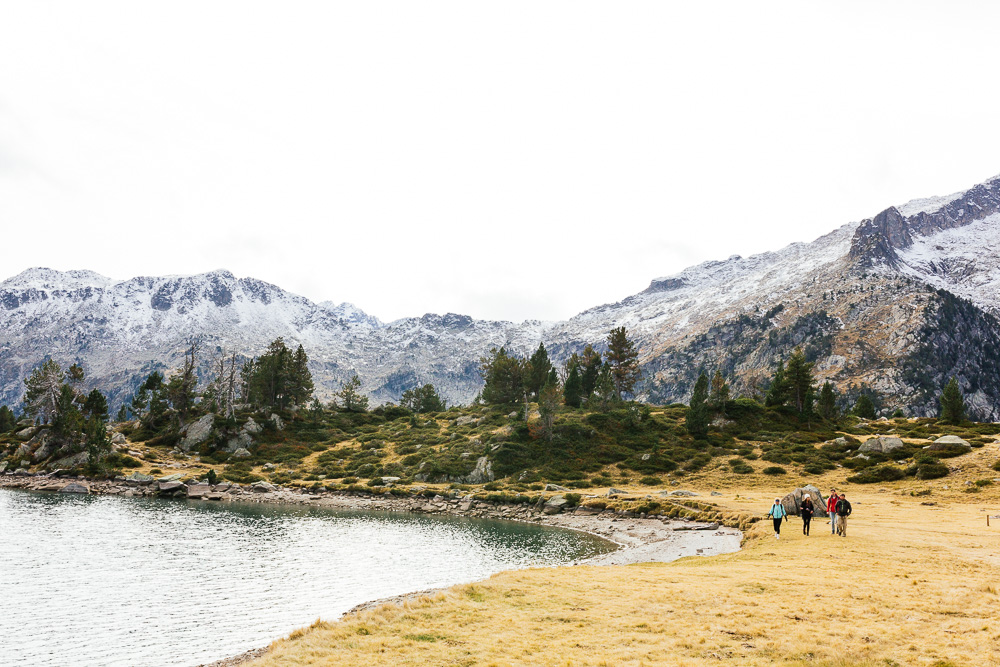 rando-lacs-de-neouvielle-hautes-pyrenees-rose-fushia-photographie-114