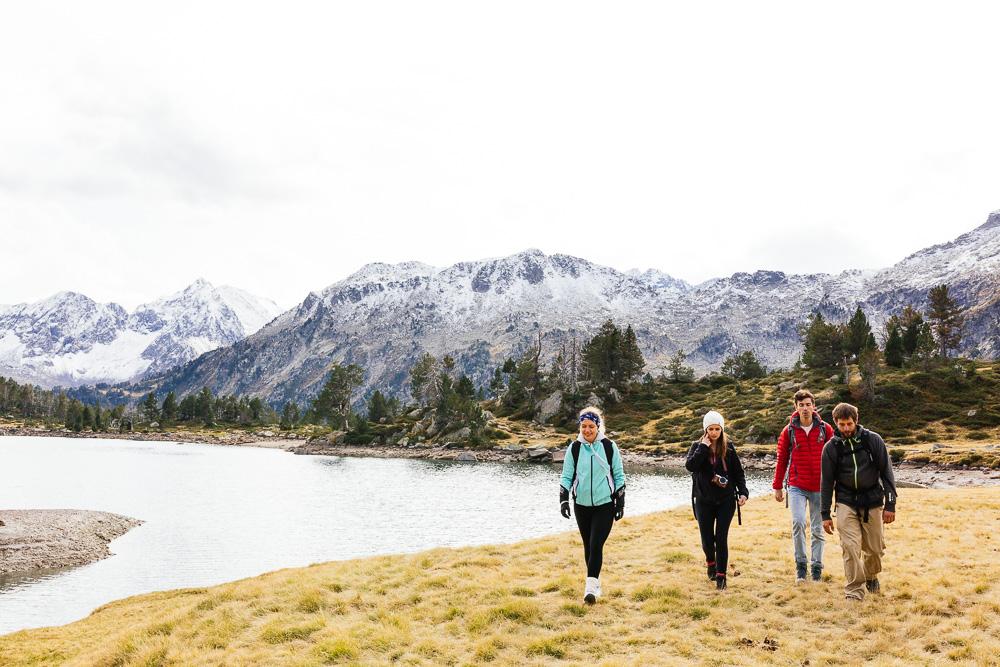 rando-lacs-de-neouvielle-hautes-pyrenees-rose-fushia-photographie-116