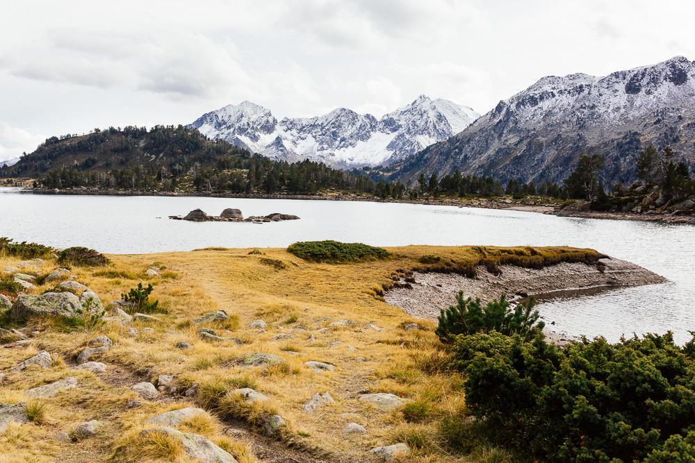 rando-lacs-de-neouvielle-hautes-pyrenees-rose-fushia-photographie-123