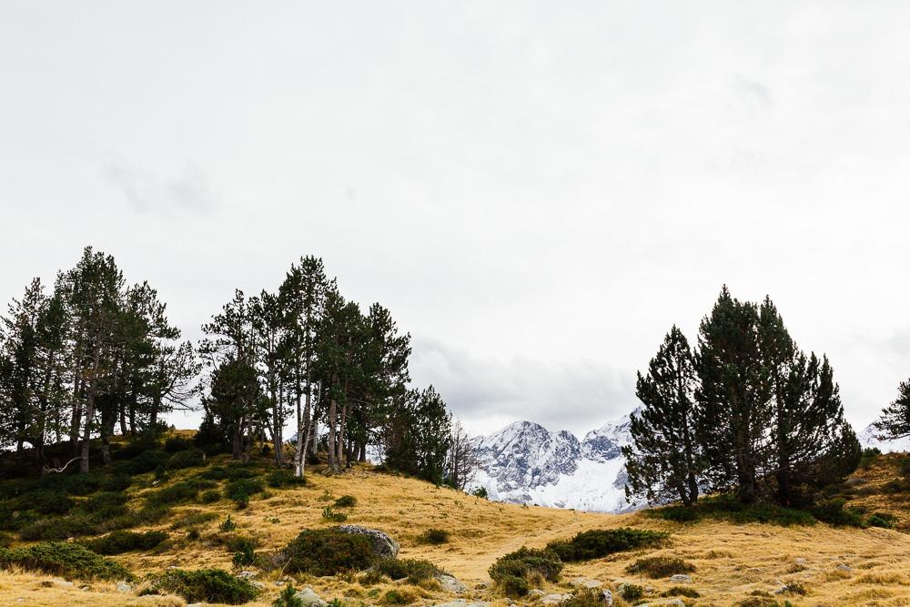rando-lacs-de-neouvielle-hautes-pyrenees-rose-fushia-photographie-139