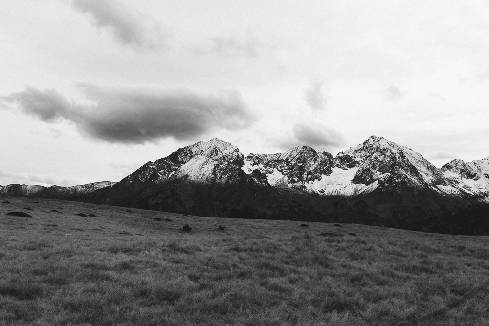 rando-lacs-de-neouvielle-hautes-pyrenees-rose-fushia-photographie-150
