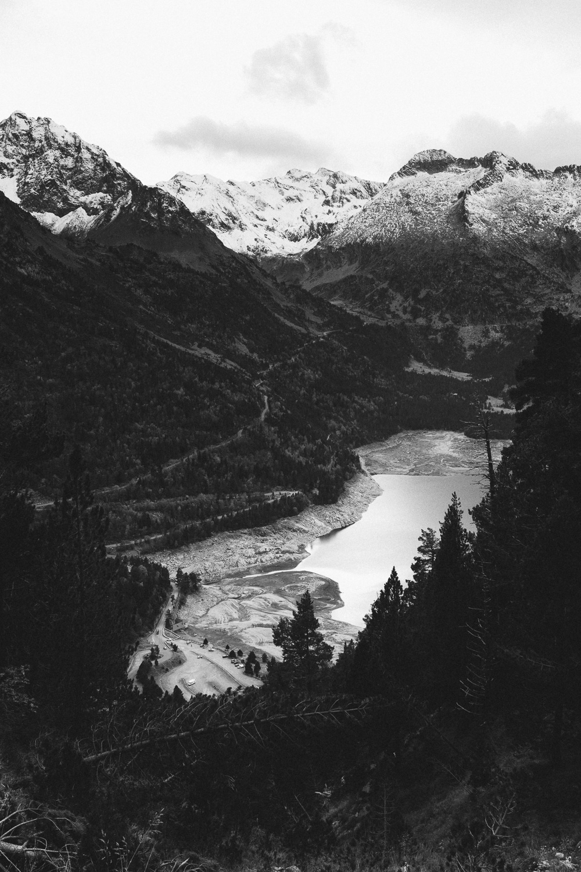 rando-lacs-de-neouvielle-hautes-pyrenees-rose-fushia-photographie-159
