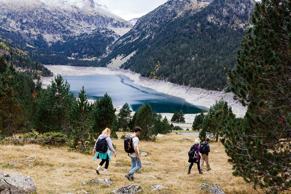rando-lacs-de-neouvielle-hautes-pyrenees-rose-fushia-photographie-163