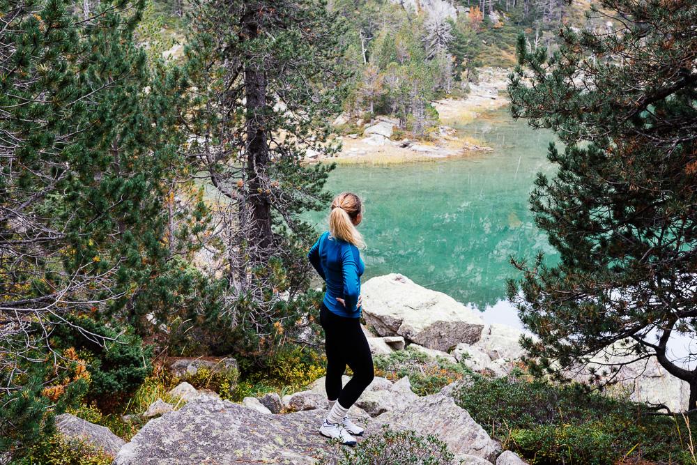 rando-lacs-de-neouvielle-hautes-pyrenees-rose-fushia-photographie-33