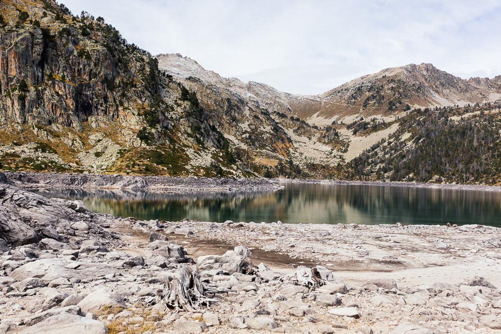 rando-lacs-de-neouvielle-hautes-pyrenees-rose-fushia-photographie-67
