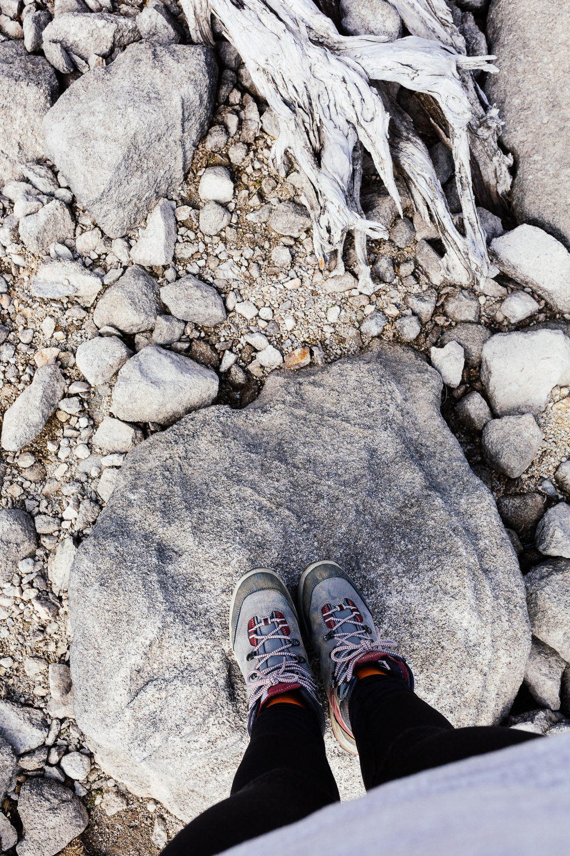 rando-lacs-de-neouvielle-hautes-pyrenees-rose-fushia-photographie-71