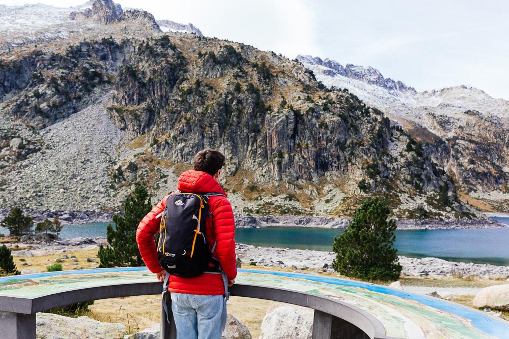 rando-lacs-de-neouvielle-hautes-pyrenees-rose-fushia-photographie-84