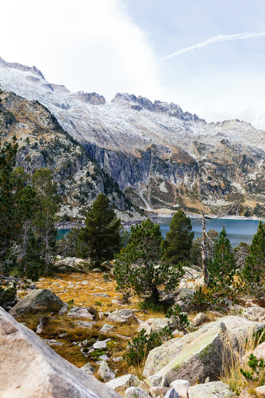 rando-lacs-de-neouvielle-hautes-pyrenees-rose-fushia-photographie-91