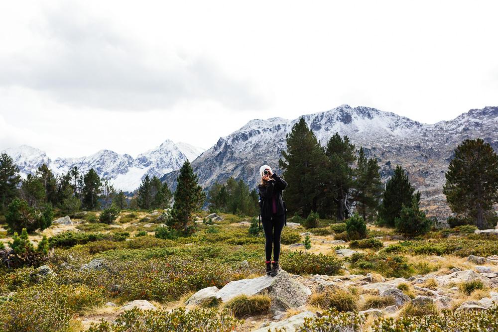rando-lacs-de-neouvielle-hautes-pyrenees-rose-fushia-photographie-98