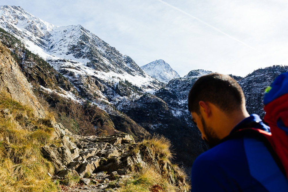 rando-pyrenees-lac-d-oo-lac-d-espingo-rose-fushia-photographie-12