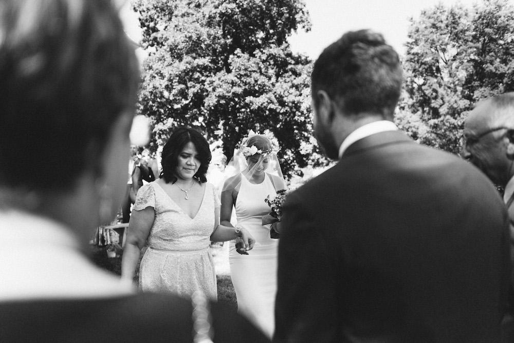 mariage-franco-philippin-dans-le-gers-jaika-et-maxime-rose-fushia-photographie040