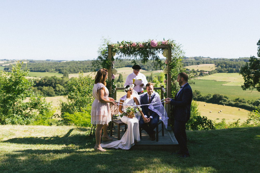 mariage-franco-philippin-dans-le-gers-jaika-et-maxime-rose-fushia-photographie045