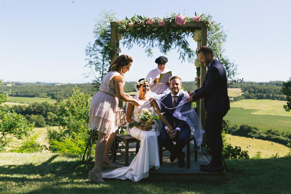 mariage-franco-philippin-dans-le-gers-jaika-et-maxime-rose-fushia-photographie046