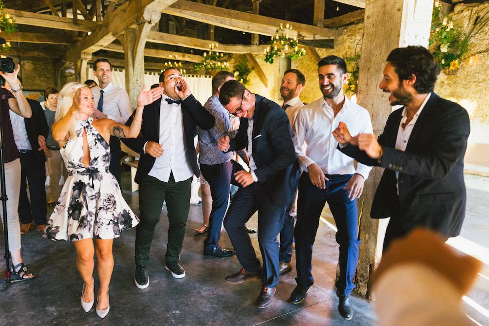mariage-franco-philippin-dans-le-gers-jaika-et-maxime-rose-fushia-photographie118