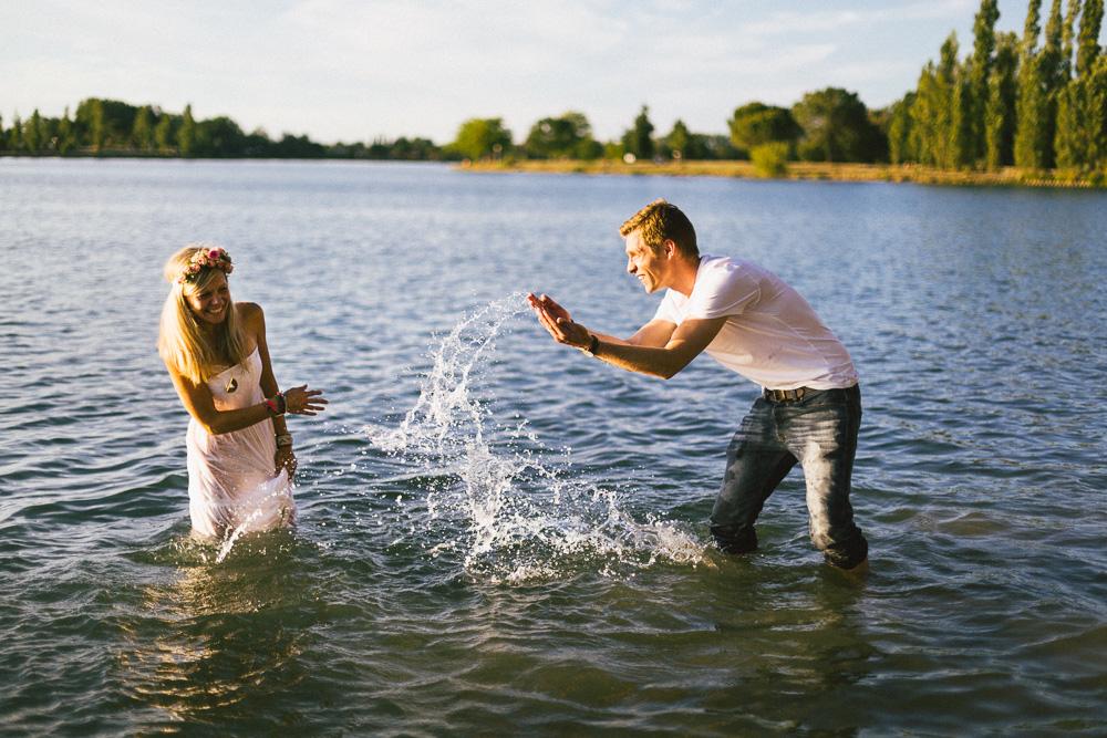 seance-famille-au-bord-du-lac-cindy-thomas-and-co-rose-fushia-photographie-toulouse021