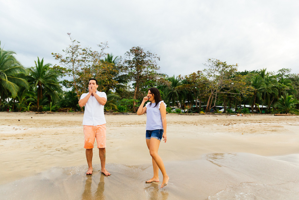 love-session-analaura-kenneth-costa-rica-caribbean-cost-rosefushiaphotographie12