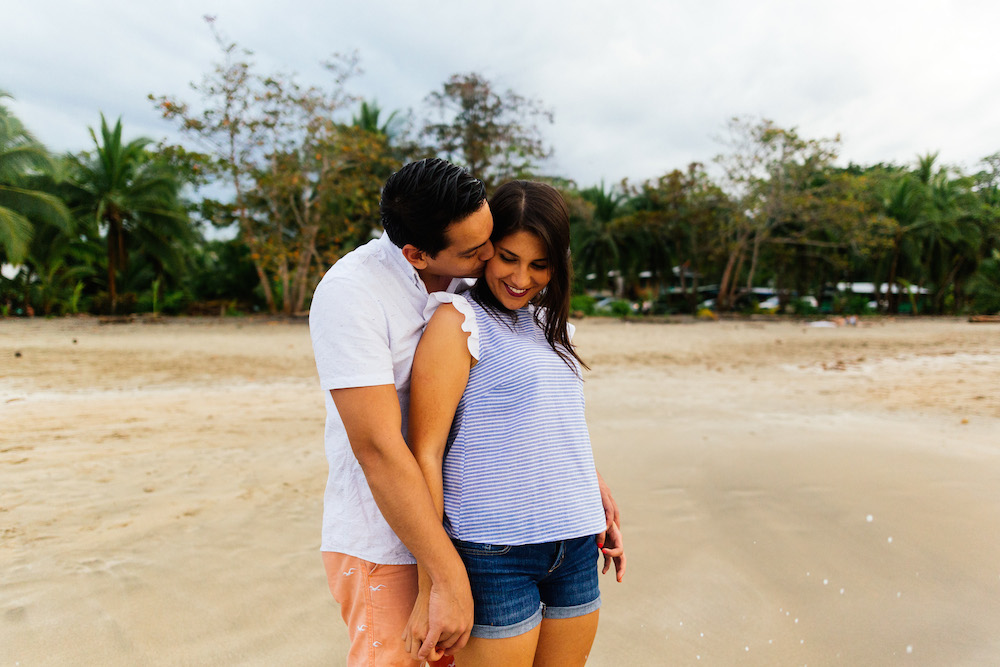 love-session-analaura-kenneth-costa-rica-caribbean-cost-rosefushiaphotographie15