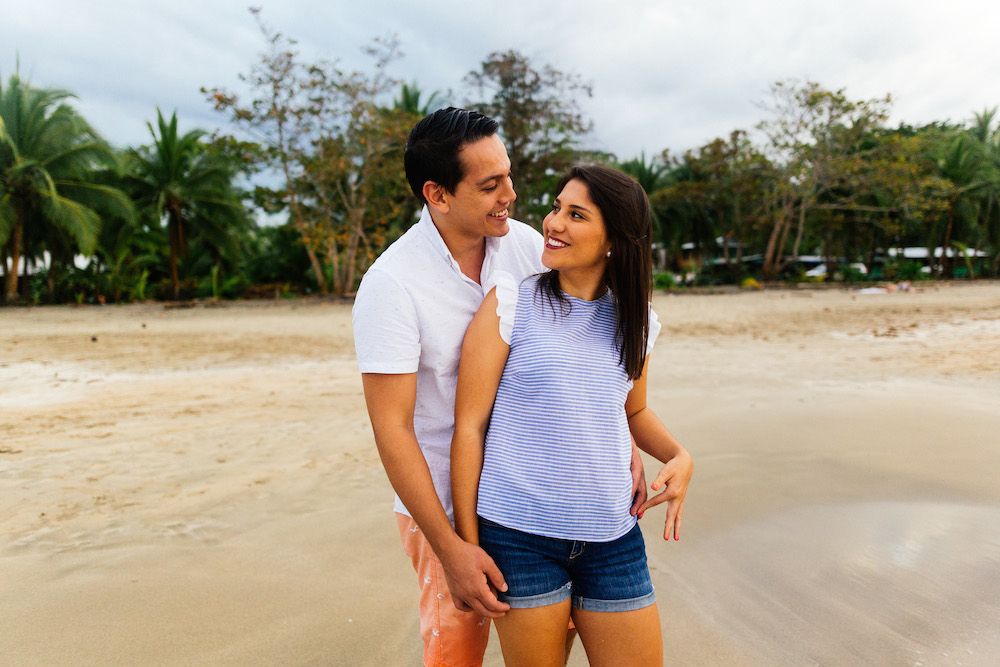 love-session-analaura-kenneth-costa-rica-caribbean-cost-rosefushiaphotographie16