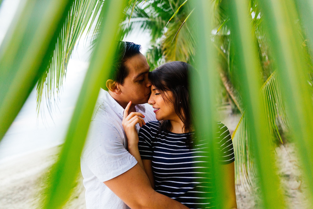 love-session-analaura-kenneth-costa-rica-caribbean-cost-rosefushiaphotographie31