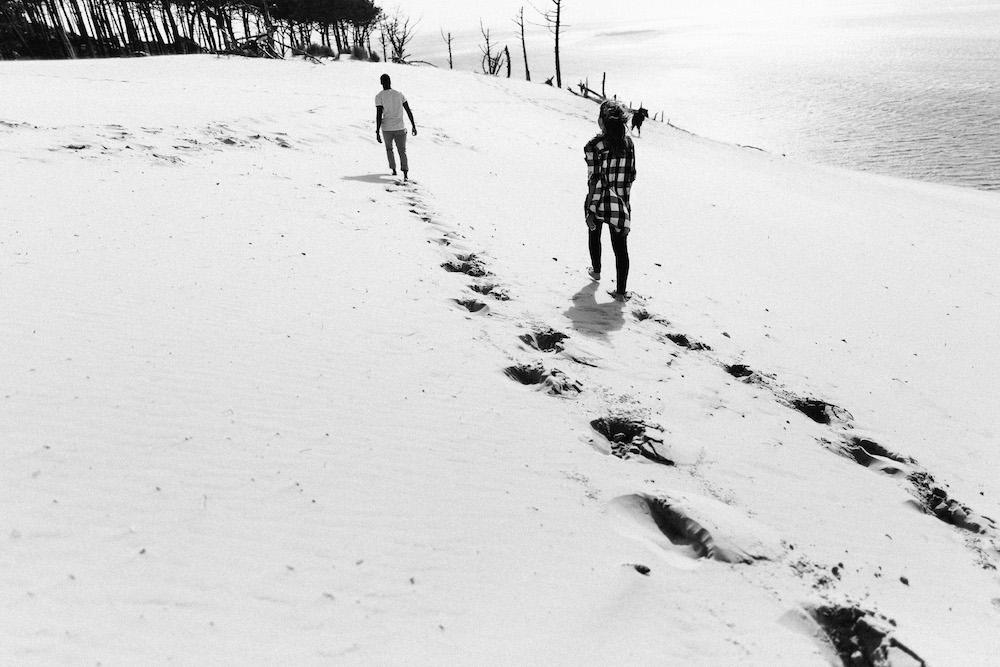 seance-engagement-dune-du-pyla-arcachon-marieaurele-oumar-rosefushiaphotographie10