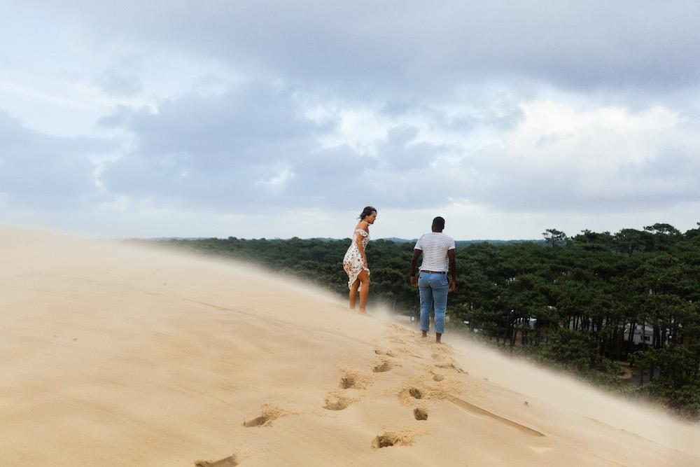 seance-engagement-dune-du-pyla-arcachon-marieaurele-oumar-rosefushiaphotographie43