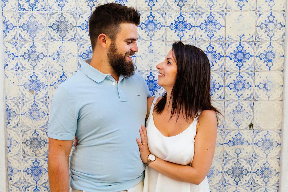 seance-couple-lisbonne-olivia-pierre-lisbonlovesession-rosefushiaphotographie001