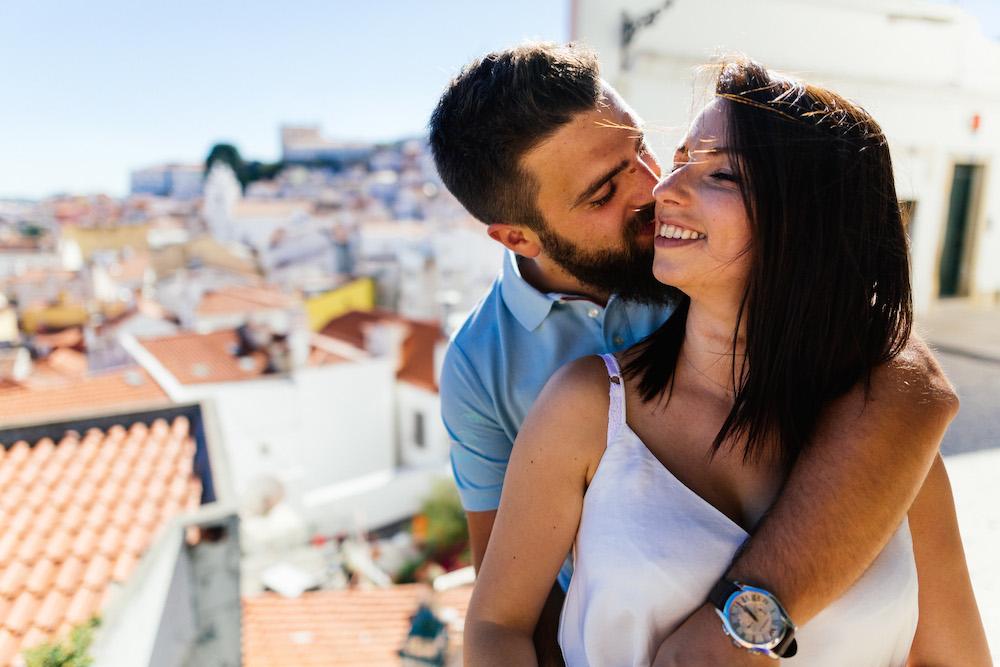 seance-couple-lisbonne-olivia-pierre-lisbonlovesession-rosefushiaphotographie003