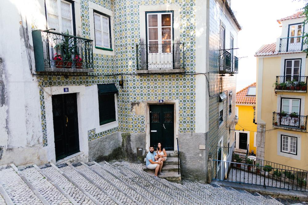 seance-couple-lisbonne-olivia-pierre-lisbonlovesession-rosefushiaphotographie005