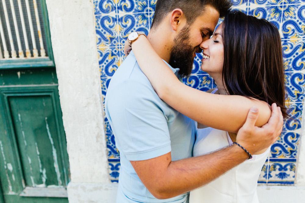 seance-couple-lisbonne-olivia-pierre-lisbonlovesession-rosefushiaphotographie072
