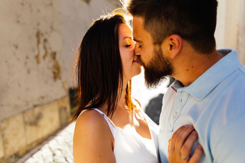seance-couple-lisbonne-olivia-pierre-lisbonlovesession-rosefushiaphotographie096