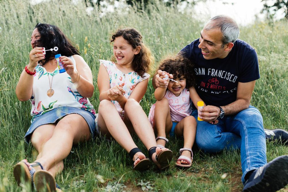 seance-e-famille-luis-linda-lac-de-la-ramee-toulouse-rosefushiaphotographie25
